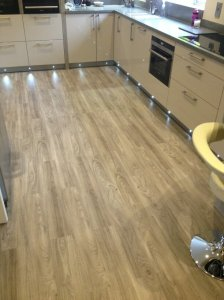 Devans Flooring - Expona Light Elm