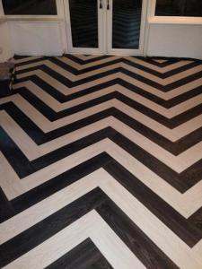 KarndeanMCR - Expona Des White Oak 6185 and Black Elm 6183 Herringbone