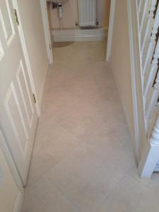 Sam Willis Flooring - Colonia Natural Limestone (4536) with Ice Grouting Strips (2031)