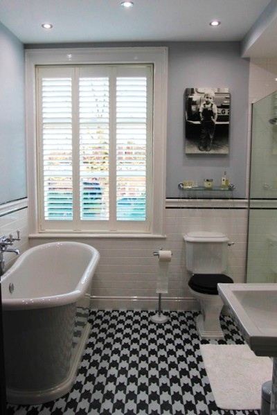 Dogtooth bathroom installation by Maltby's of Chester