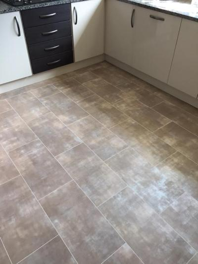Emperor Flooring NE, Colonia Glazed Metalstone 4533 with Pearl Grouting Strip