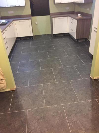 Dan Evans Flooring Expona Commercial Taupe Brazilian Slate 5044 with Pearl grouting strips