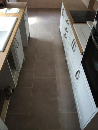 S&M Flooring, Colonia Balmoral Grey Slate with Cream feature strip