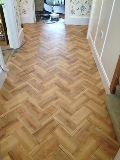 S&M Flooring, Colonia Oxford Maple in herringbone pattern