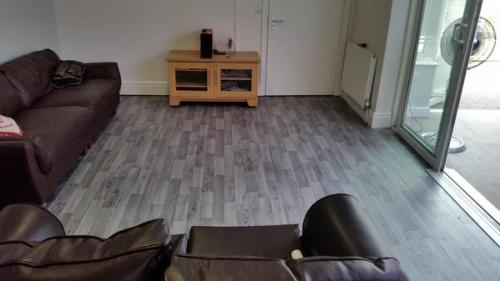 Gary Morris Flooring, Polysafe Wood fx safety flooring in a lounge