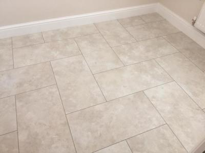 JD Flooring, Camaro Portico Limestone with Grey Grouting Strip