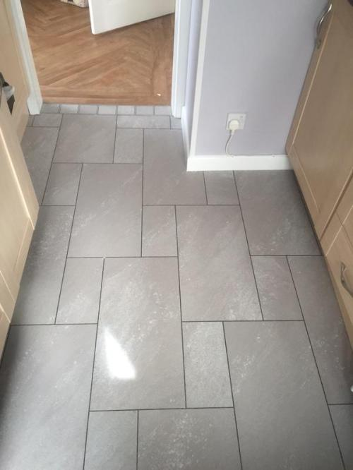 June - Sam Willis Flooring, Colonia Balmoral Grey Slate with Graphite grouting strips