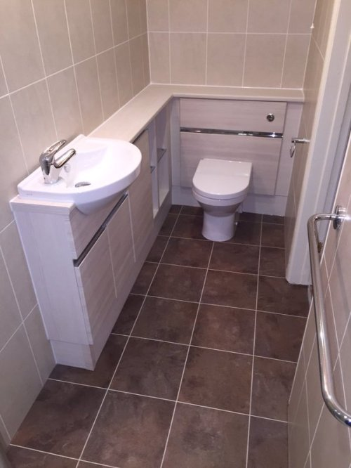 Orchid Bathrooms, Camaro Serpentine with Ice grouting strip