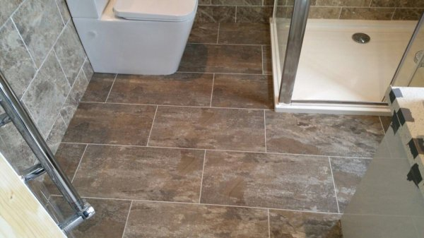 Longlane Flooring, Camaro Ocean Slate in brickwork pattern with Pearl Grouting Strip