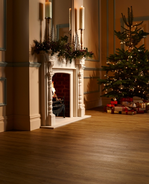 Our Camaro 2248 Sienna Oak has had a Christmas takeover with the festive setting on display here