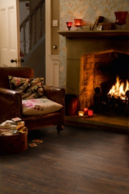 Camaro 2239 Heritage Oak again seen here by a cosy winter fire, the perfect spot to open presents on Christmas day with the family